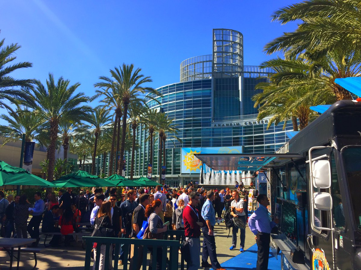 As if #APTACSM didn't already have great networking, let's add perfect weather and food trucks! https://t.co/Hm750zQw2J