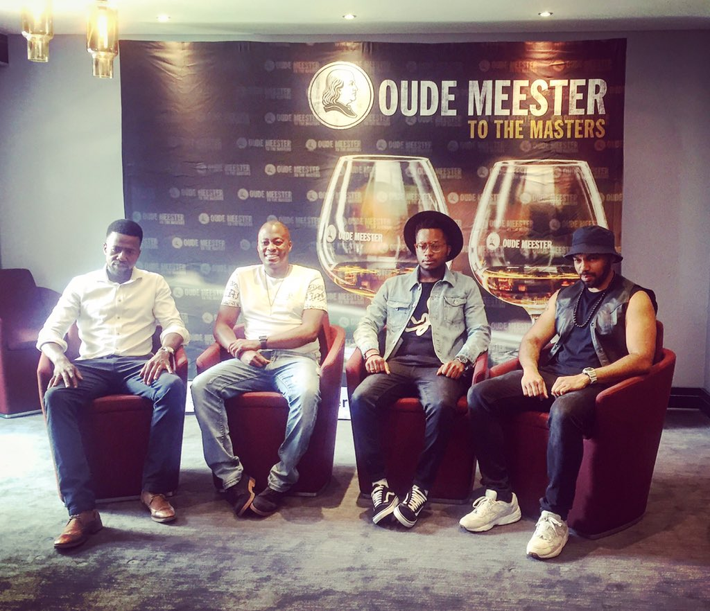 A room filled with masters (at their craft) @OudeMeesterSA #ivejustbegun #oudemeesterSA https://t.co/eAjwTRdL0d