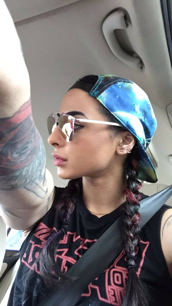 Vj Bani,biography,photos,real name,profile,age,dob,personal,details,Big Boss 10, wiki,images,hd,pictures,pics