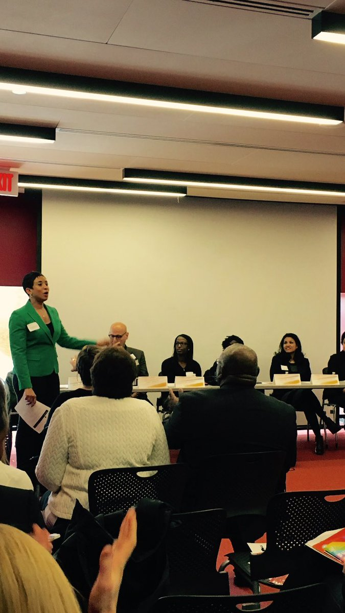 Excited to be in attendance for this morning's @DCImmersion event moderated by @9NewsDelia #dcpl #ward7 #dc https://t.co/2HCbmQisJN
