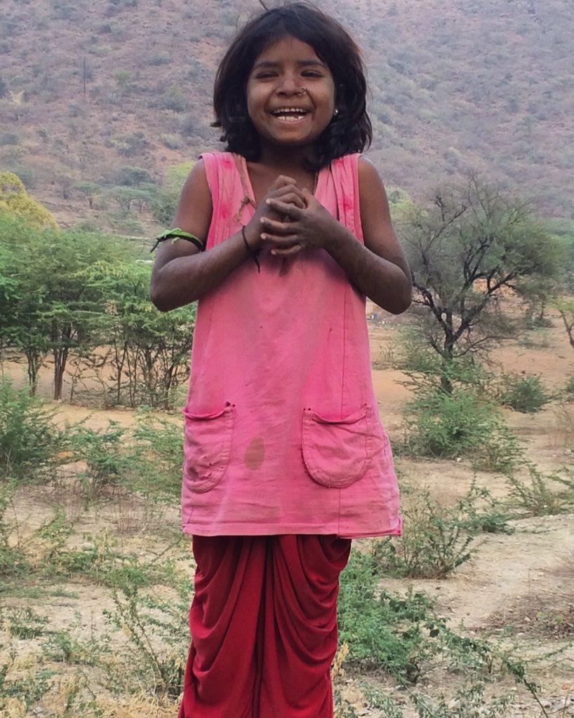 #udaipur #day1 #rajasthanigirl #laughing #beautiful #expressionpic.twitter.com/Y17Mns9JqB