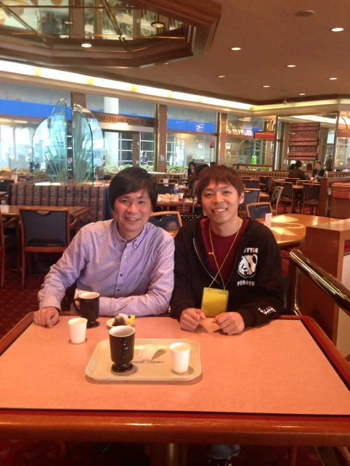 幕張メッセで小野秀幸さんと再会。ライブ直前までカフェでお茶してました。