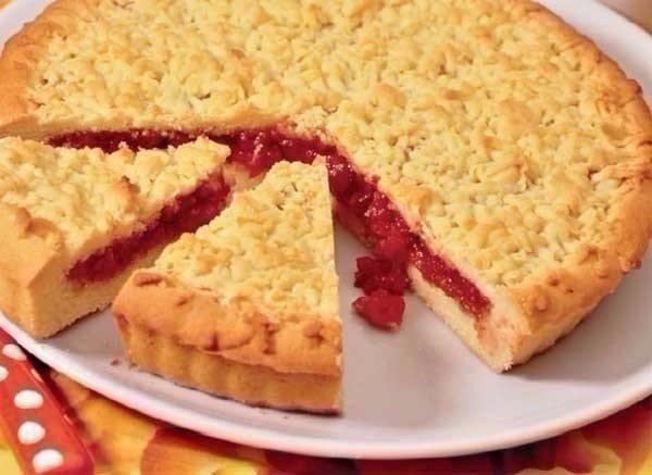 Песочный пирог с ягодами рецепт с фото