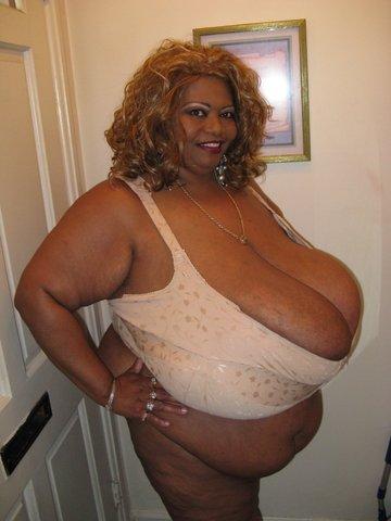 Bbw superstar ms deja oils her 44 inch tits - 3 part 3