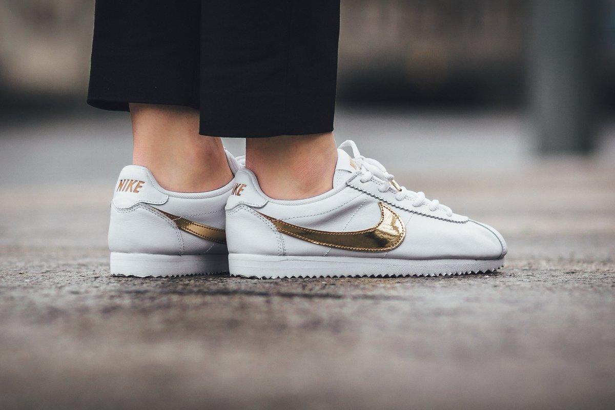 finest selection 365c4 efb64 ... White Gold Popular Sale Nike Cortez Wit Goud WMNS CLASSIC CORTEZ TITOLO  on Twitter . ...