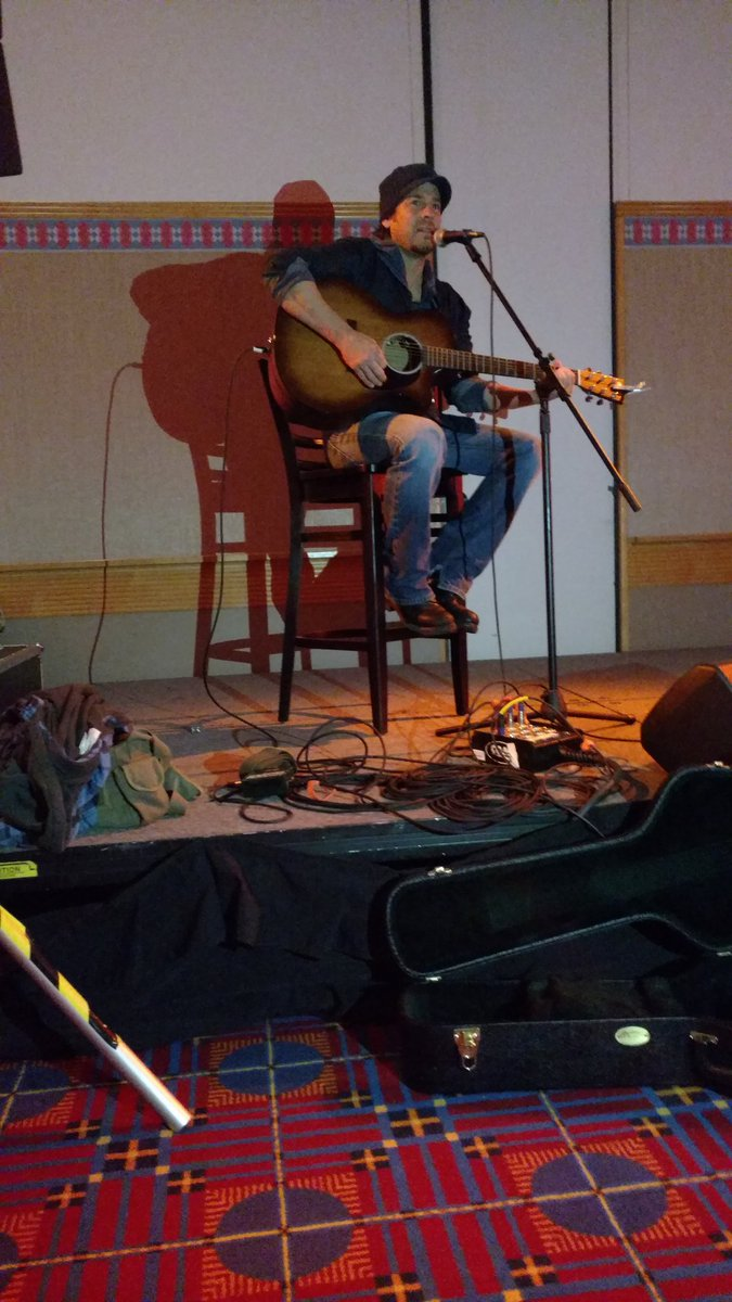 OK peeps, a private jam with @ChristianKane01 How cool is that? https://t.co/KlofLbQ2Nf