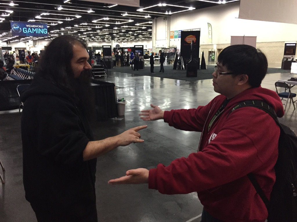 "Wow, @AvoidThePuddle refusing @JWonggg hug attempt. Jwong response ""WTF"" https://t.co/HkEnQ8JzNy"