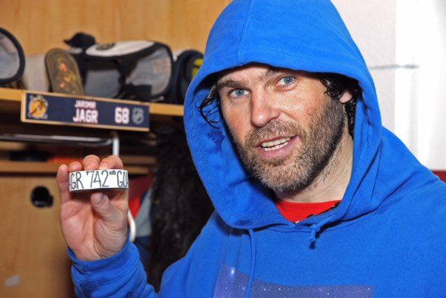 """""""There's no reason to quit. I love the game.  If I can play in the NHL, why not keep going?"""" https://t.co/1blEuL9Zzl"""