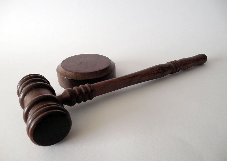 ¿Derecho a la libertad de expresión de un abogado o derecho al honor del juez? Nuevo post: https://t.co/wdlPwa8h9O https://t.co/PuFkYbSITQ