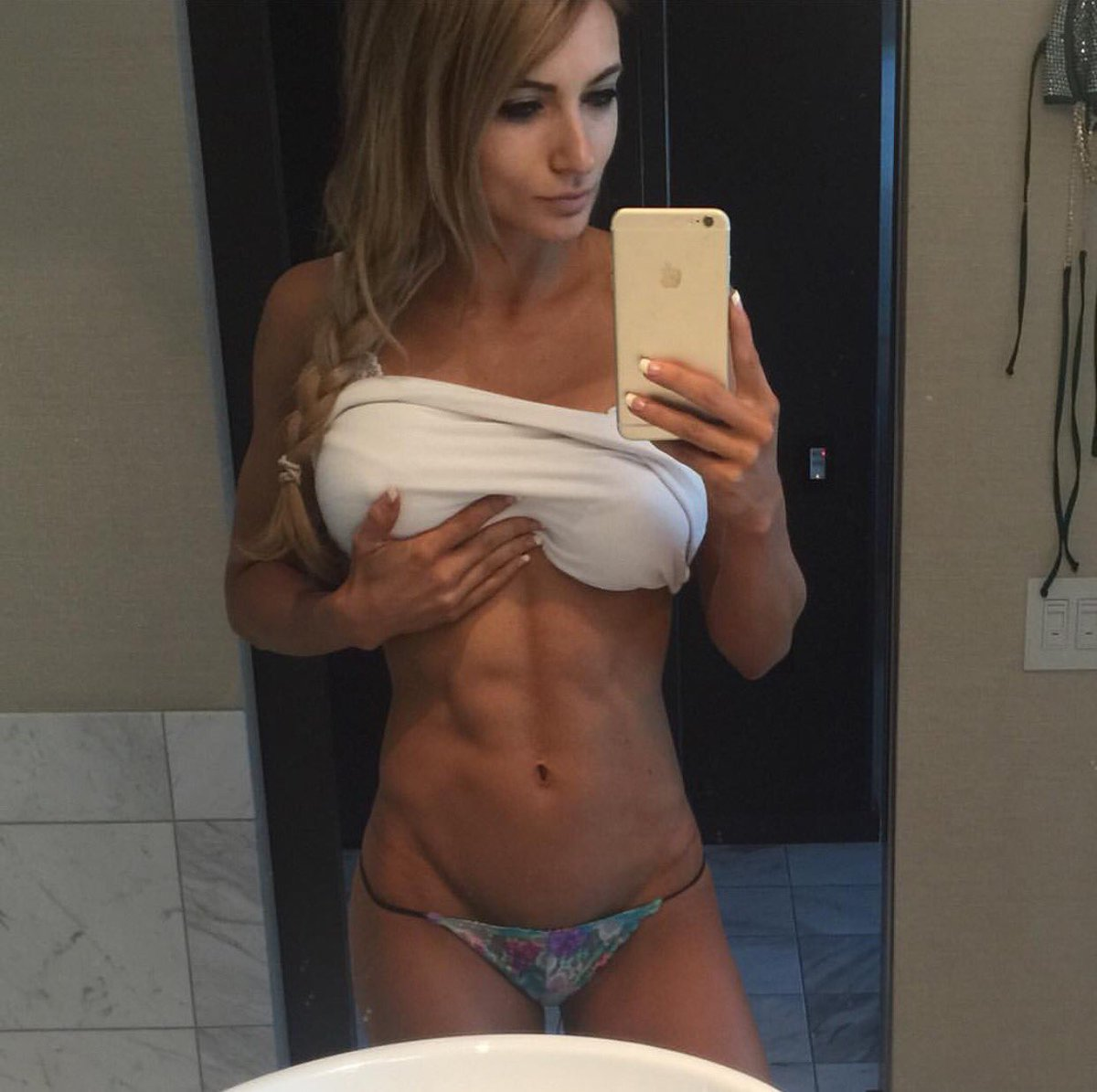 nude abs chick porn pics