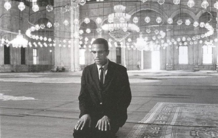 #MalcolmX, Converts & Moving Past Window Dressing Islam by @imanwired: https://t.co/nc94JRefYq https://t.co/jdWL7hmRYU