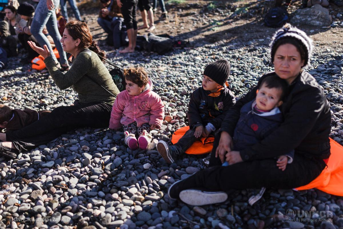 36% of people crossing the Mediterranean are children. Our statement w/ @UNICEF & @IOM_News https://t.co/fvAL7ByBXf