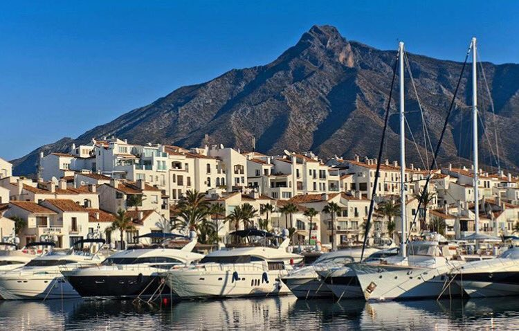 Monday Blues? Not when you wake up to this every day! #Marbella #PuertoBanus https://t.co/JoyYiVrJpR