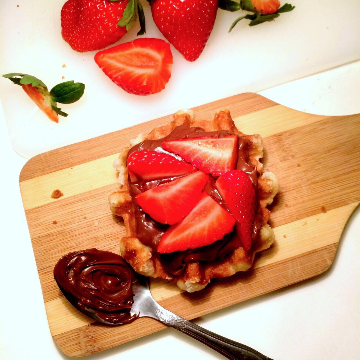 Nutella + strawberries + our de liege wafel = excellent combination  #BelgianBoys #chubbyandskinny #deliege #wafel<br>http://pic.twitter.com/PExyF4h4wT