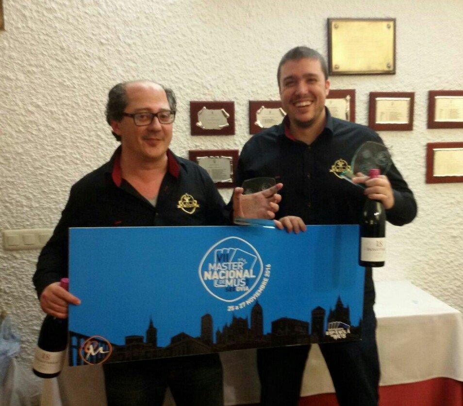 José L. Díz y Jesús Chus Aranda, Campeones del V Torneo de Mus Club Santo Domingo