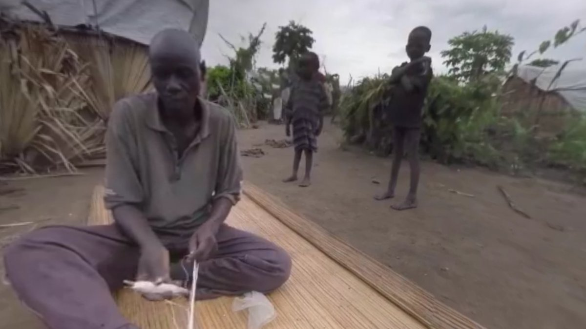 Take 10 mins and watch this powerful 360° video from South Sudan via @frontlinepbs: https://t.co/Df8E4eraVj #famine https://t.co/H0Y5YRmhrQ