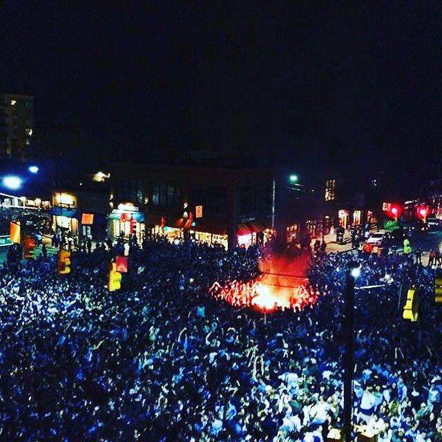 This night. {Snap by @brieshelly} #BeatDuke #GTHD #UNCAlumni #FranklinStreet https://t.co/J9zWkHHST2 https://t.co/bjiHYKIwwm