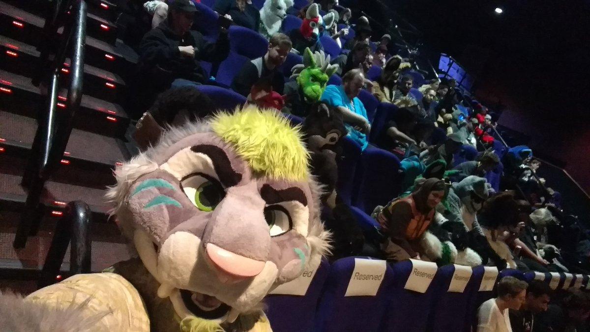 #Zootopia take 3 with a ton of other animals! Cc: @DisneyZootopia @dannyanimator #ZooU #Selfie https://t.co/QfoMSnZU3j