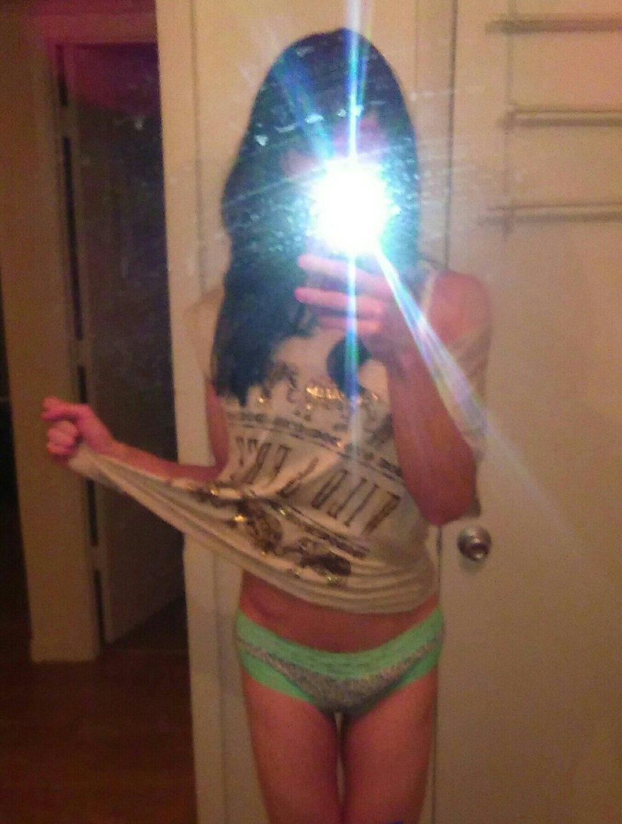 Nude Selfie 3983