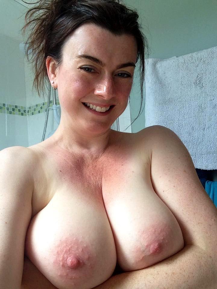 Nude Selfie 3987