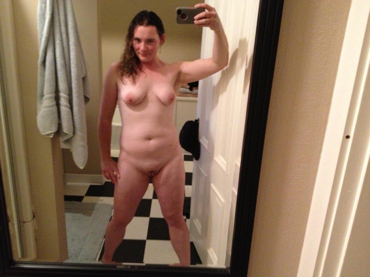 Nude Selfie 3984