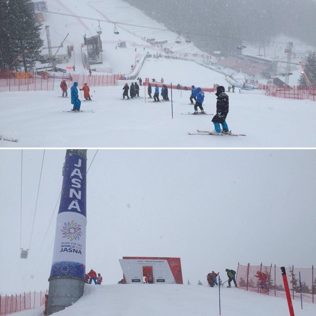Le topic du ski et des sports d'hiver saison 2015-2016 V2 Cc2PEybXIAAJ3uT