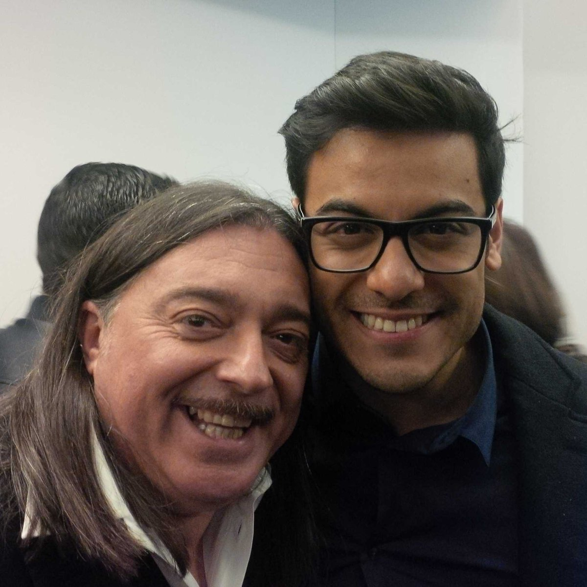 Con mi querido @_CarlosRivera en los #premiosdial en Tenerife @atrevetedial @Cadena_Dial #codigoespecial. Abrazos https://t.co/u88R78CfKK