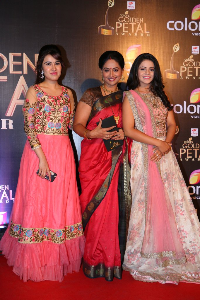 Thapki Pyaar Ki cast at Golden Petal Awards 2016 - Images-Pictures GPA 2016, Jigyasa Singh, Sheena Bajaj