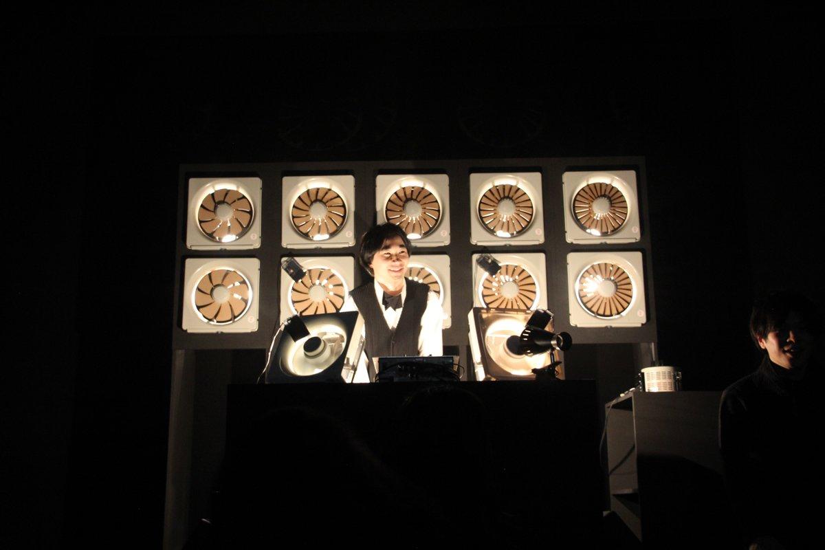 ISSEY MIYAKE パリコレクションの音楽を12台の換気扇による『換気扇サイザー』で演奏しました。サポートしてくれた吉田悠くん、山本惣一さん、ありがとう!宇宙の感覚がどこかに。宮前さん&チームのみなさん、お疲れ様でした! https://t.co/mkZ72tvgWl