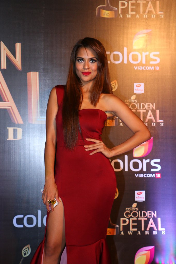 Sana Saeed at Golden Petal Awards 2016 GPA 2016 Image-Picture