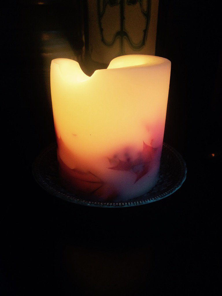 I lit a #CandleforClaire to #rememberjackandpaul on Mother's Day #childfirst @womensaid you light one too https://t.co/ea3Ac2tqrt