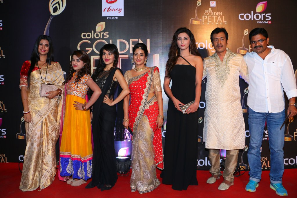 Swaragini Cast at Golden Petal Awards 2016, GPA 2016 - Image-Pictures