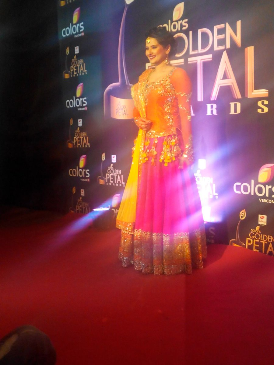 Kratika Sengar aka Tanu of Kasam serial at Colors Golden Petal Awards 2016, GPA 2016