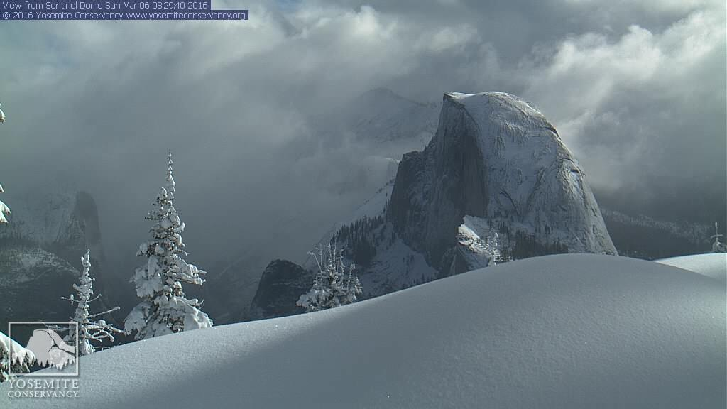 Another great shot of the Half Dome at @YosemiteNPS this morning. Lots of new snow; more on the way! #CAwx