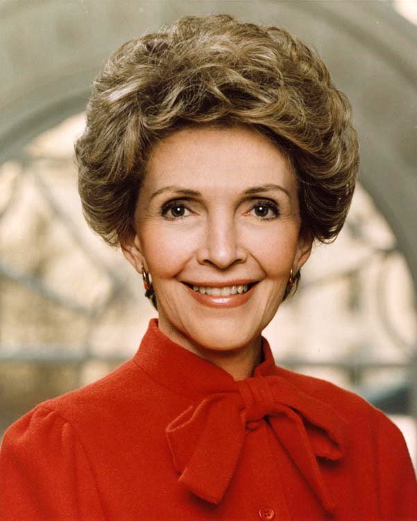 The end of a golden era.   RIP Nancy Reagan (1921 - 2016) https://t.co/CByu0p2o7Q