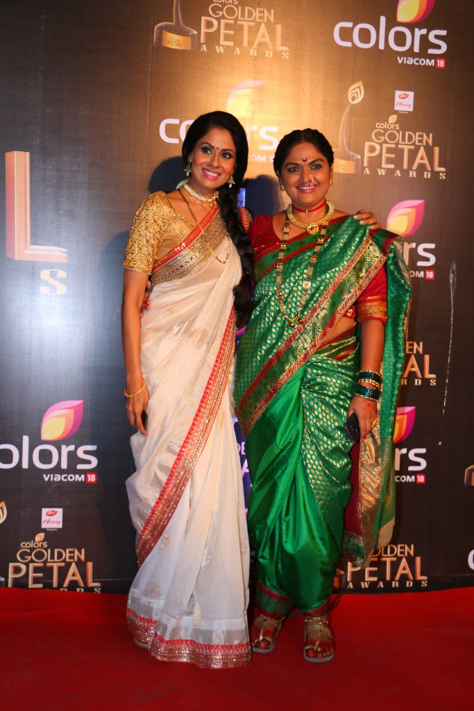 Kumudini and Tusli of Krishnadasi at Colors Golden Ptela Awards 2016 GPA 2016 images-Pictures