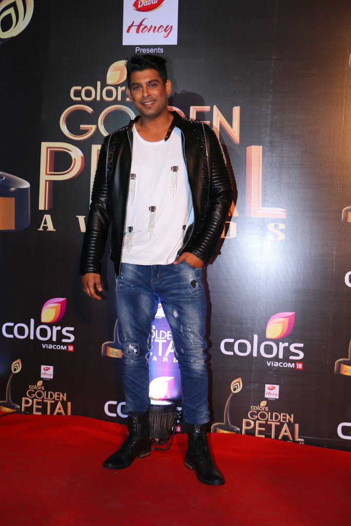 Sidharth Shukla at Golden Petal Awards 2016, GPA 2016 images-pictures