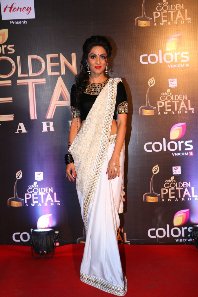 Monica Khanna aka Shraddha of Thapki Pyaar Ki GPA 2016 Images - Golden Petal Awards 2016 pictures