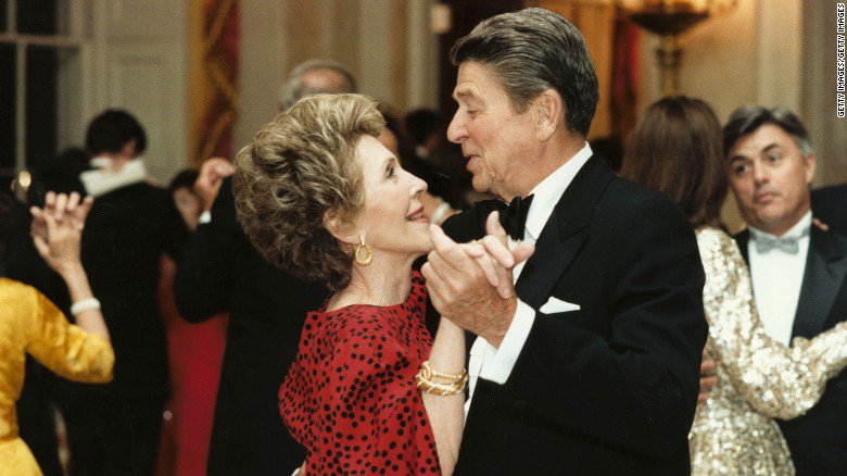 Former first lady Nancy Reagan has passed away at age 94 https://t.co/YulNGKtc0S https://t.co/CqcGVquWY9