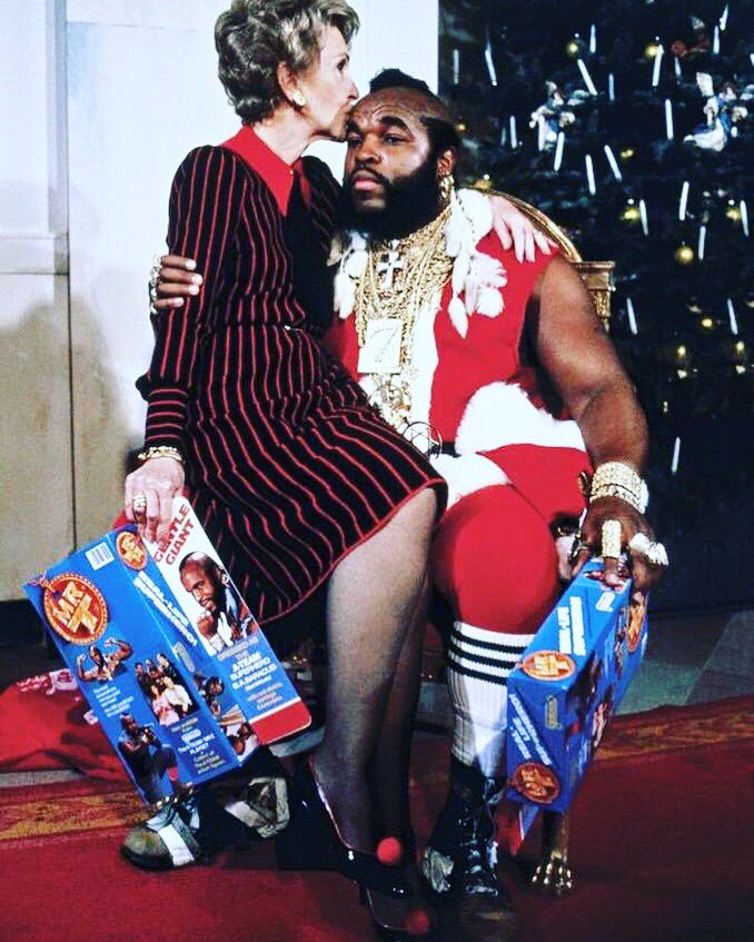 I pity the fool who doesn't love this pic.  #RIPNancyReagan You are my fave FLOTUS. https://t.co/2CPrxCsGq2