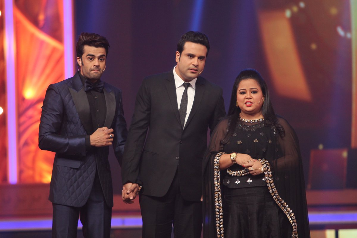 Krushna Abhishek and Bharti Singh with Manish Paul at Colors Golden Petal Awards 2016