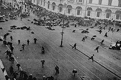 15) Le 11 mars le Tsar ordonne la répression. Elle est sanglante. https://t.co/qoimTrZyFb