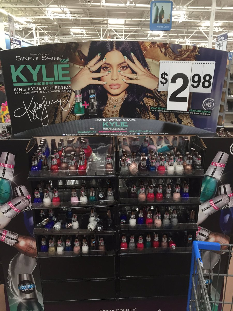 @KylieJenner #nailpolish #Walmart great selection! Come check it out! #kyliejenner @Walmart #signaturecollection https://t.co/md3gKHRB0I
