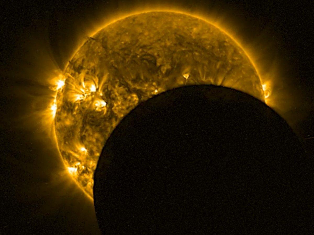 Eclisse totale di Sole: dove vederla in diretta live streaming web. Ufologi e cacciatori di UFO pronti