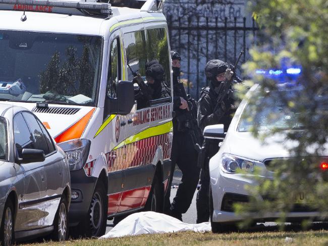 В Сиднее освобождены заложники, нападавший убит