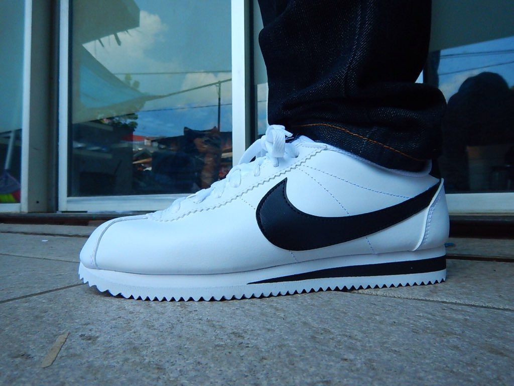 Pegashoes Bandung on Twitter: Nike Cortez White black leather Size EU40 Original made in Indonesia. Box Replaced WA 085353336474 Bbm 5AAE6550