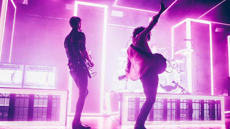 The 1975 go straight to Number One in US with second album https://t.co/UGyzwPUL5r https://t.co/uU1m4z6PwS