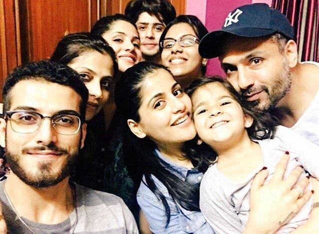 The #Khan family and more  @Miqbalkhan @TeamMiqbalkhan   #insta_theft #Khans #familytime  #lovealltheway <br>http://pic.twitter.com/KnbKrZxQkm