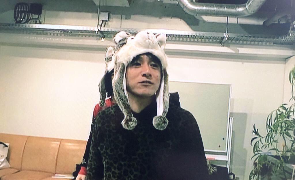 オオカミの被り物桜井和寿