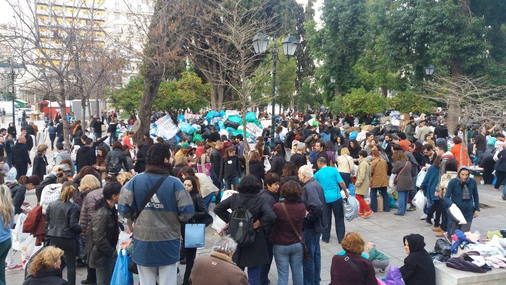 Σύνταγμα χθες. #refugeesGr #syntagma https://t.co/MyaE4iRGJd